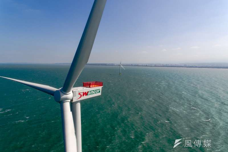 圖為苗栗竹南由上緯公司建造的示範風機。(資料照,取自上緯官網)