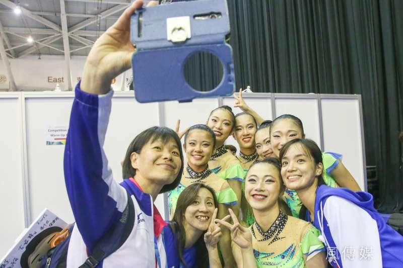 中華女子韻律體操團體單項「3球2繩」決賽奪銀,日本籍教練帶隊打敗日本隊。(陳明仁攝)