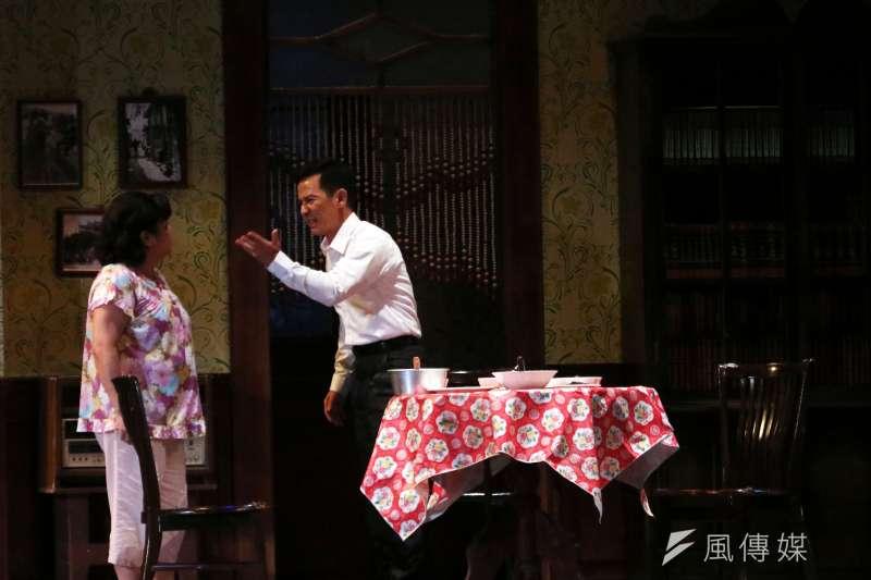 《清明時節》以主角輝昌結婚8年、外遇、最終自盡身亡的悲劇,說盡婚姻最殘酷的真理。(蘇仲泓攝)