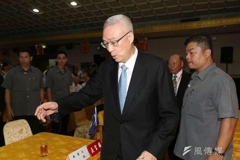 國民黨主席吳敦義談到一例一休政策,他表示,一例一休不是惡意,但是「太天真了」。(蘇仲泓攝)