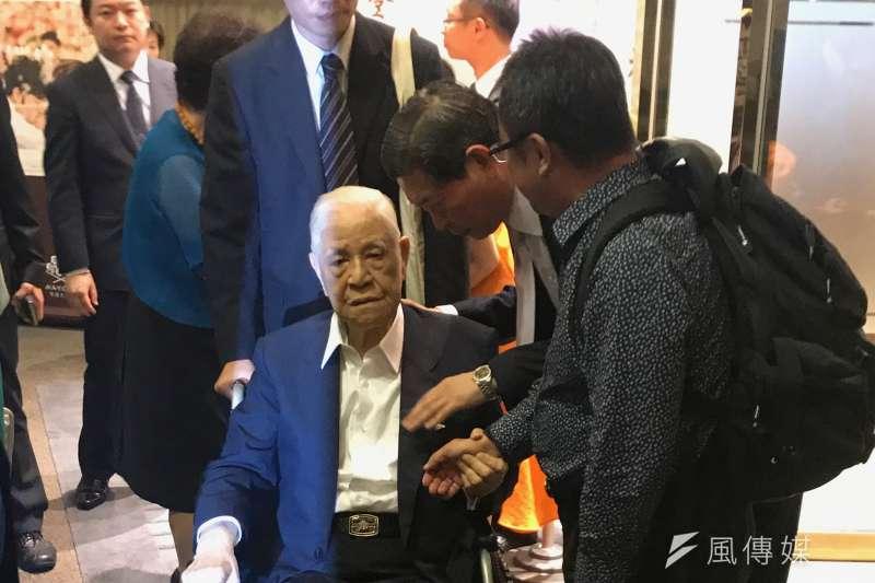 李登輝基金會9日舉行募款餐會,李登輝前總統親自出席,並稱讚新任閣揆賴清德,「醫生的時代」來臨了。(顏振凱攝)