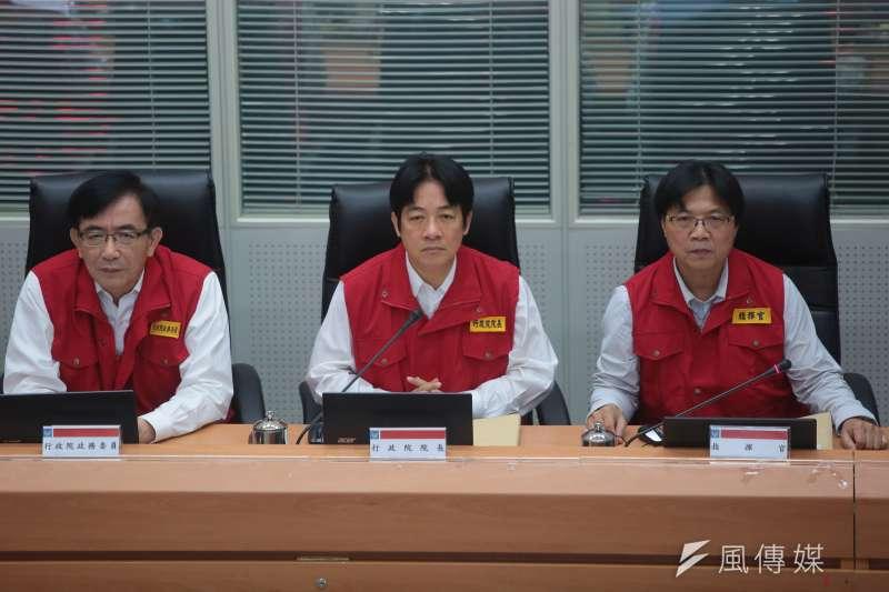 20170913-行政院長賴清德13日視察泰利颱風中央災害應變中心。(顏麟宇攝)