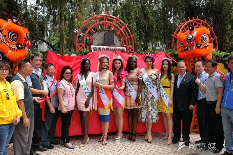作者認為,越南雖民風保守,但近來卻有一名來自越南的變性人奪得2018年泰國國際變性皇后選美大賽冠軍,足以看見國家經濟開始好轉的趨勢。(資料照,王秀禾攝)