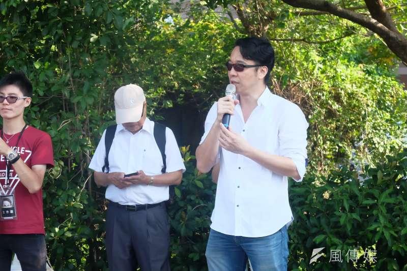 2017-09-17-「CHINA!FREE LI 聲援李明哲人體排字行動」,司改會執行長高榮志。(謝孟穎攝)