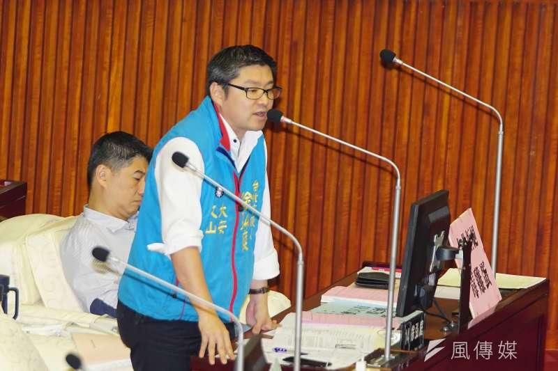 20170919-市議員徐弘庭發言。(盧逸峰攝)
