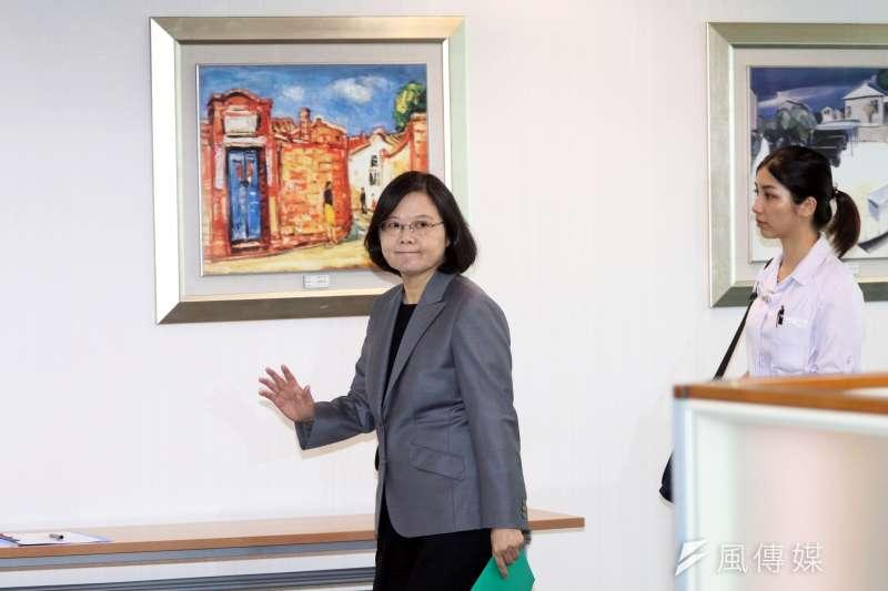 總統蔡英文下午出席民進黨中常會。(蘇仲泓攝)