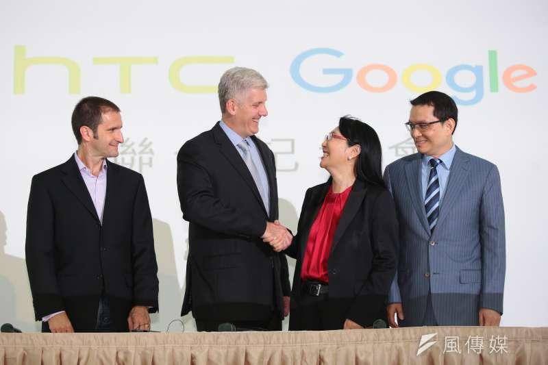 HTC日前宣布以新台幣330億元的金額,出售手機代工部門給Google,消息一出意外羨煞許多台灣科技業員工。(顏麟宇攝)