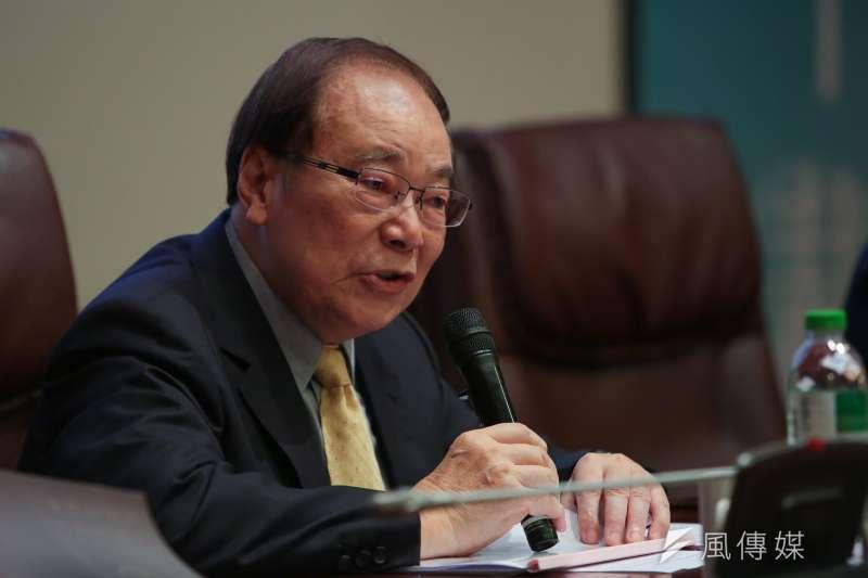 前行政院長張俊雄23日出席「總統直選與民主台灣」學術研討會,張俊雄說,民進黨內部在積極解決、化解矛盾。(顏麟宇攝)