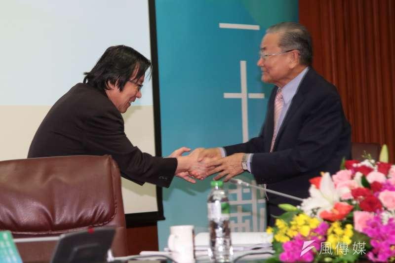 20170923-前總統府秘書長邱義仁、詹春柏23日一同出席「總統直選與民主台灣」學術研討會。(顏麟宇攝)