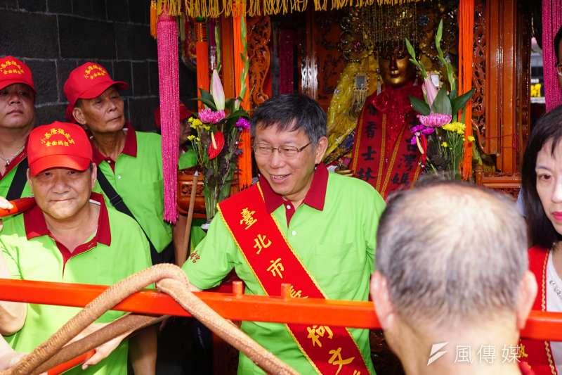 柯文哲25日出席北台灣媽祖文化節記者會,對於昨日台大學生受傷事件表示,北市府是協辦機關,目前沒有看到疏失。(盧逸峰攝)