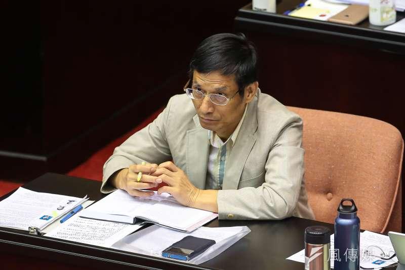 行政院政務委員林萬億今天表示,行政院規劃於3月1日的院會通過軍人年改方案。(資料照,顏麟宇攝)