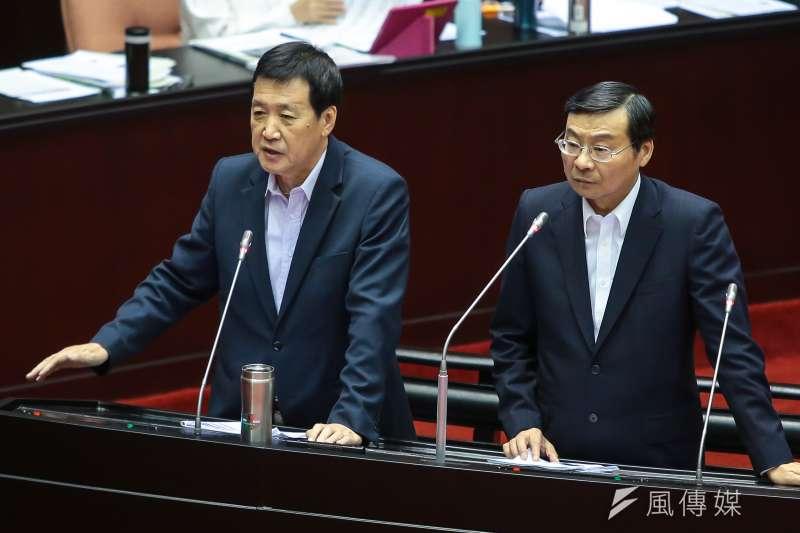 20170929-國民黨立委費鴻泰、曾銘宗29日於立院質詢稅改方案,認為其對富人大減稅造成不公。(顏麟宇攝)