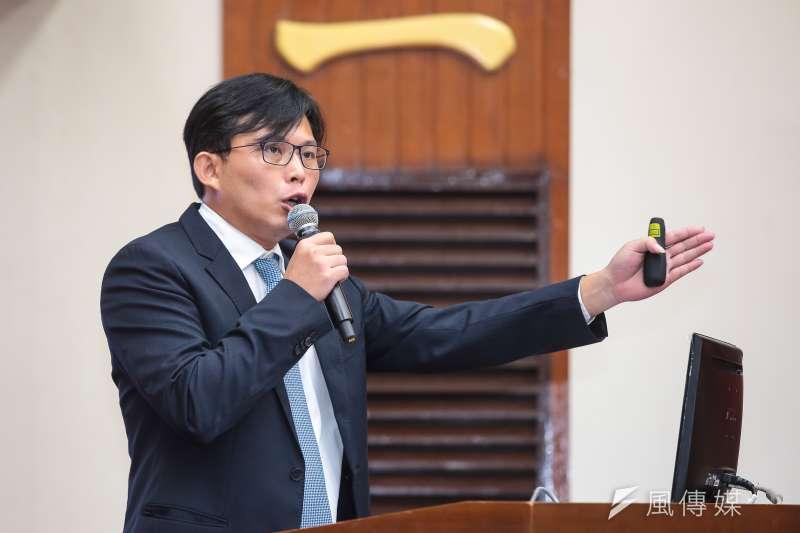 20171002-時代力量立委黃國昌2日於立院財政委員會質詢。(顏麟宇攝)