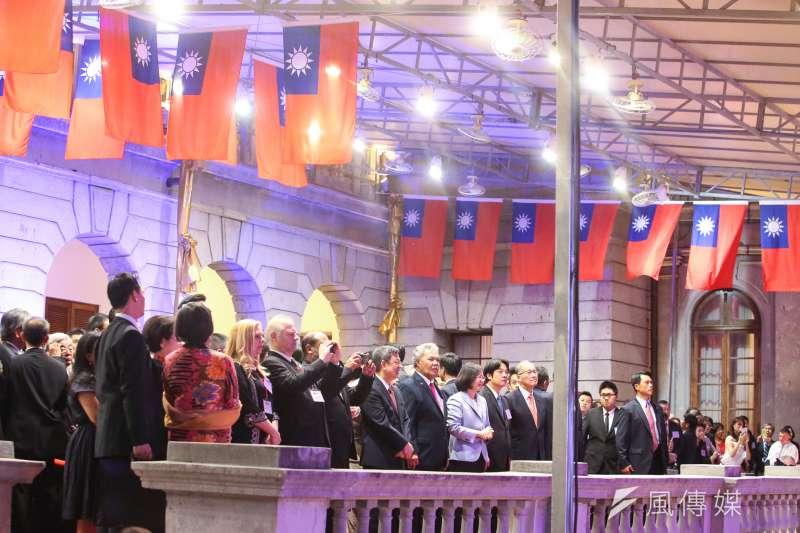 今年的國慶主題是「更好的台灣」,不過,台灣更好不能只靠口號。圖為中華民國106年國慶酒會。(陳明仁攝)