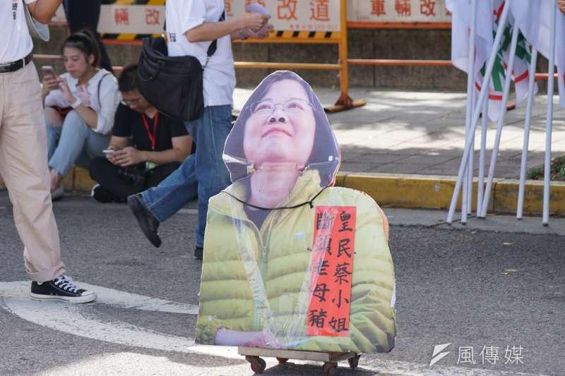 圖為國慶大典外統派團體抗議。(盧逸峰攝)