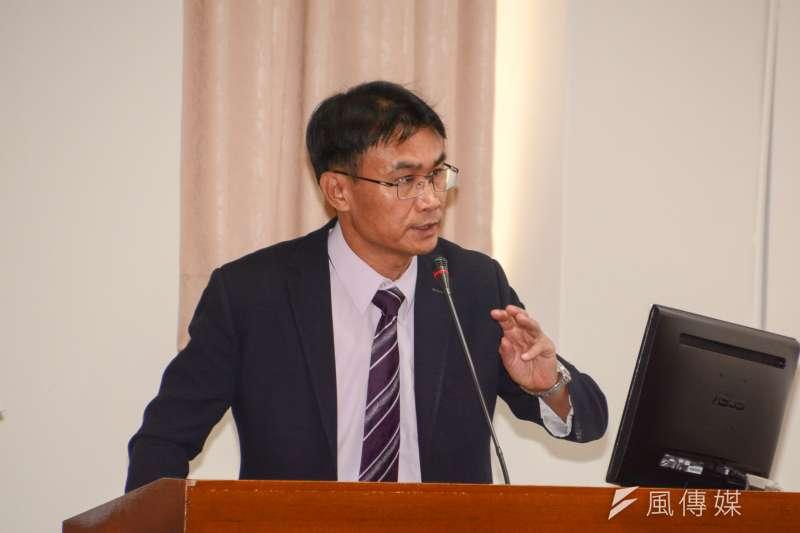 農委會副主委陳吉仲宣布農藥減半政策。(資料照片,陳明仁攝)