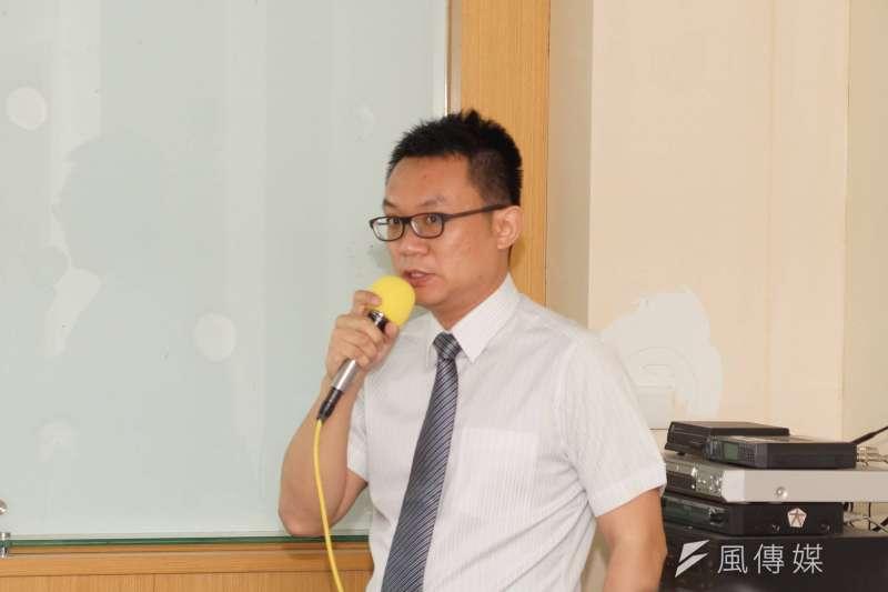 台灣世代智庫公布近日政策議題民調結果,董事王智盛表示,社會普遍贊成一利一休修法。(資料照,盧逸峰攝)