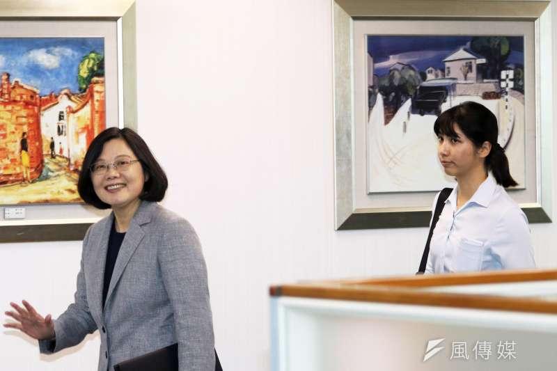 民進黨中常會,總統蔡英文出席。(蘇仲泓攝)