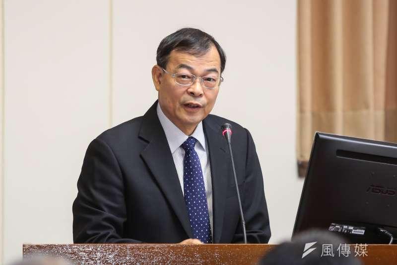 20171018-台電總經理鍾炳利18日於立院經濟委員會備詢。(顏麟宇攝)
