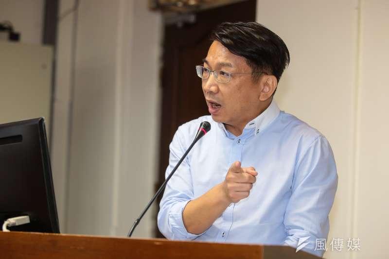 20171018-時代力量立委徐永明18日於立院經濟委員會質詢。(顏麟宇攝)