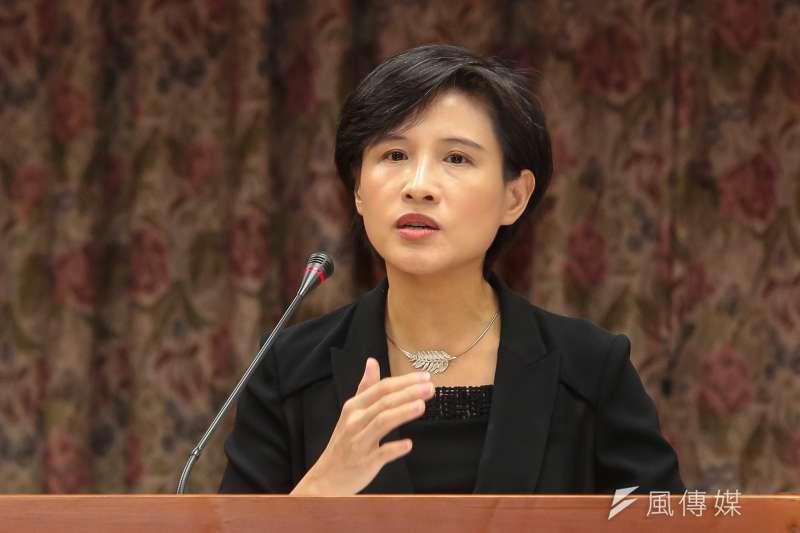 對於參選北市長,文化部長鄭麗君19日表示,沒有思考過選舉的問題。(顏麟宇攝)