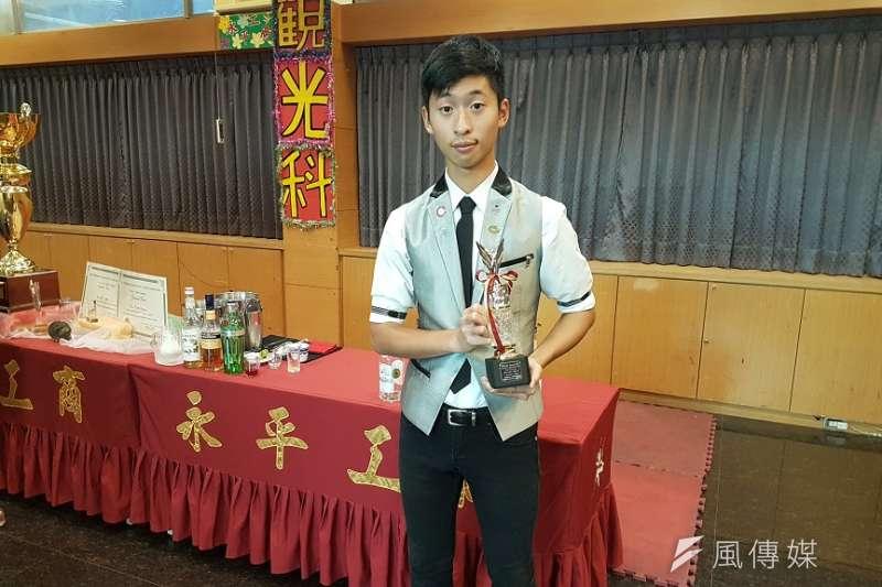 2017橫濱國際調酒大賽,游秉庠獲得國際花式組冠軍。(圖/根亞平攝)