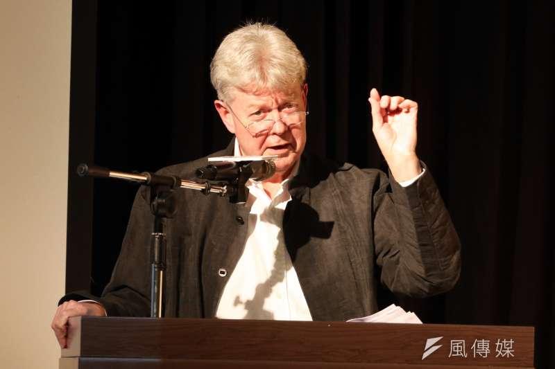 香港大學政治與公共行政學系榮譽教授卜約翰以《重塑中國:習近平與他的十九大》為題進行專題演講。(蘇仲泓攝)
