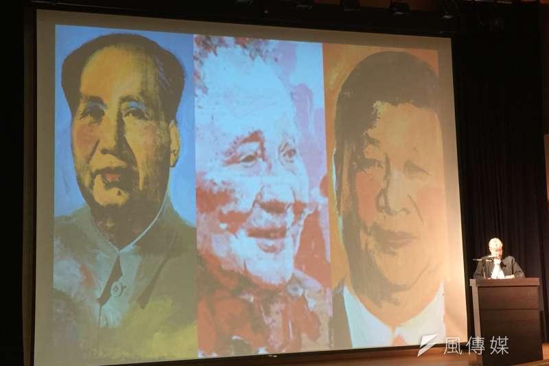 香港大學榮譽教授卜約翰稱,現任中共總書記習近平的地位可能與毛澤東和鄧小平看齊。(簡恒宇攝)