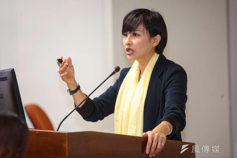 作者認為,民進黨立委邱議瑩攻訐韓國瑜的「老婆陪睡說」,非但沒獲得挺綠民眾的支持,反而讓韓國瑜的政見更被廣泛流傳。邱議瑩堅不認錯的霸氣,來自新潮流的相挺,但對民進黨基層支持者來說,她這番激進的言論卻對選票完全沒有幫助,大家只看到新潮流的自大,看不到民進黨初衷的價值。(資料照,顏麟宇攝)