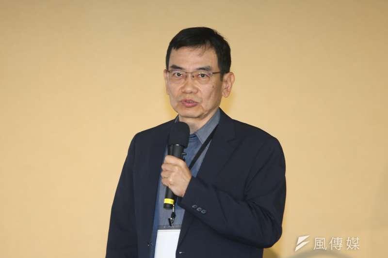 林桓(東吳大學副教授)出席不當黨產處理委員會舉辦「社團法人中國青年救國團是否為社團法人中國國民黨之附隨組織  」聽證  程序。(陳明仁攝)