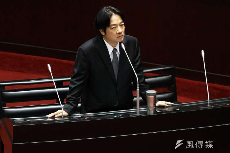 對於網友提案變更台灣時區一事,行政院長賴清德24日表示,會尊重連署,並承諾「我們會慎重考慮這個事情」。(蘇仲泓攝)
