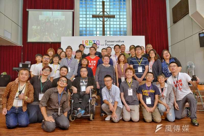 社團法人台灣同志諮詢熱線協會今(27)於真光福音教會舉辦「東亞同志運動與保守勢力」工作坊。(甘岱民攝)