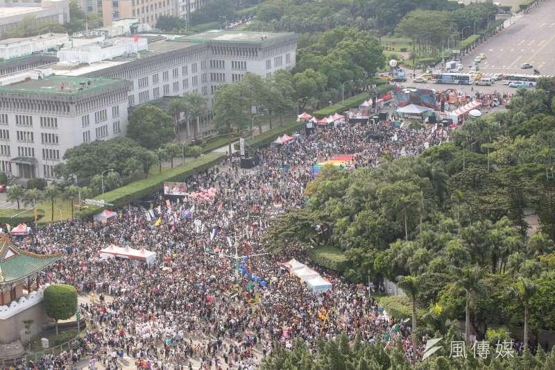 20171028-2017年台灣同志遊行Taiwan LGBT Pride,10月28日盛大登場,鳥瞰圖。(顏麟宇攝)