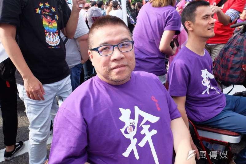 20171028-2017年台灣同志遊行Taiwan LGBT Pride,10月28日盛大登場,手天使創辦人vincent。(謝孟穎攝)