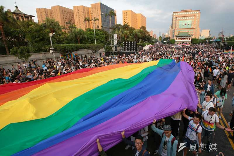 性少數議題在兒童權利審查中也備受關注,台灣同志諮詢熱線協會24日呼籲,政府應該嚴正看待專家的意見並進行改變。(資料照,顏麟宇攝)