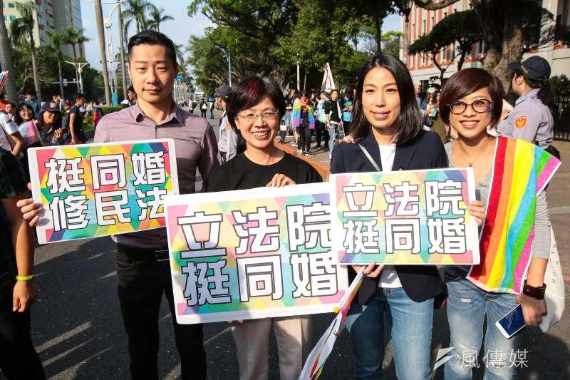 20171028-時代力量立委林昶佐、民進黨立委尤美女、余宛如一同參與2017台灣同志遊行。(顏麟宇攝)