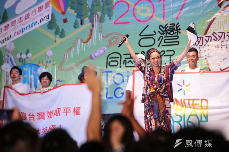 20171028-2017台灣同志遊行,來自日本的歌姬米希亞(MISIA)更於晚會壓軸上台聲援。(顏麟宇攝)