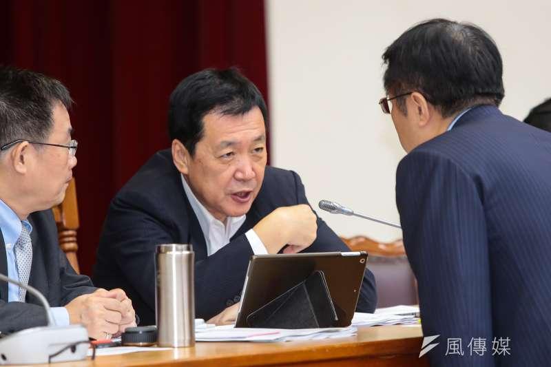20171101-國民黨立委費鴻泰1日主持立院財政委員會。(顏麟宇攝)