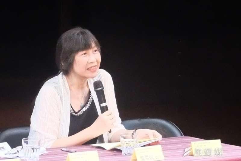 中研院台灣史研究所的詹素娟出席第12屆蔡瑞月舞蹈節「台灣史論壇」活動,分享長期研究原住民歷史的心得,也道出原住民一直以來受到的歧視。(謝孟穎攝)