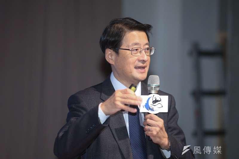 中研院院士吳玉山今(4)日指出,小國在強權之前可有三種角色,包括樞紐、夥伴或避險者。(陳明仁攝)