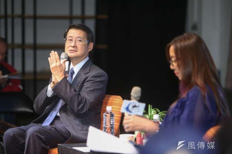 中華民國主權、治權可否以公民投票決定?中研院院士吳玉山(左)直言,「我個人感覺投票無法解決」。(陳明仁攝)