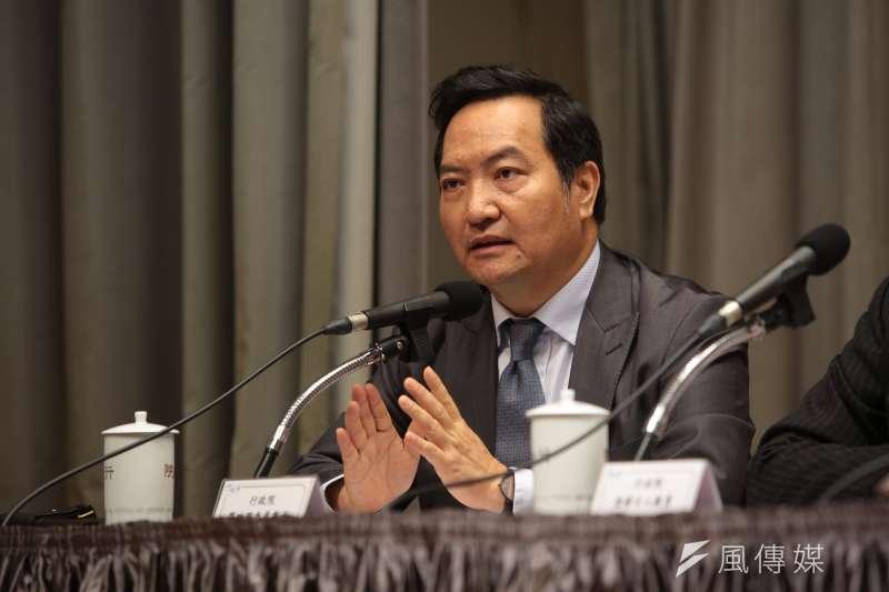 政務委員羅秉成6日出席行政院「排除企業投資障礙五缺之缺地」記者會。(顏麟宇攝)