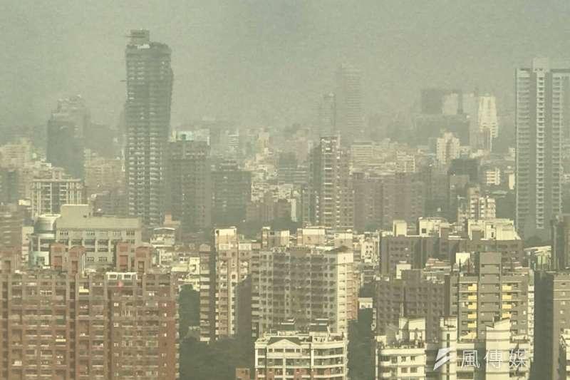 2017-11-07-台中市空氣汙染。空污、空氣品質、空品。(張美惠攝)