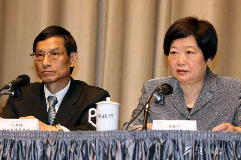 20171109-勞動部長林美珠(右)與政務委員林萬億。(蘇仲泓攝)