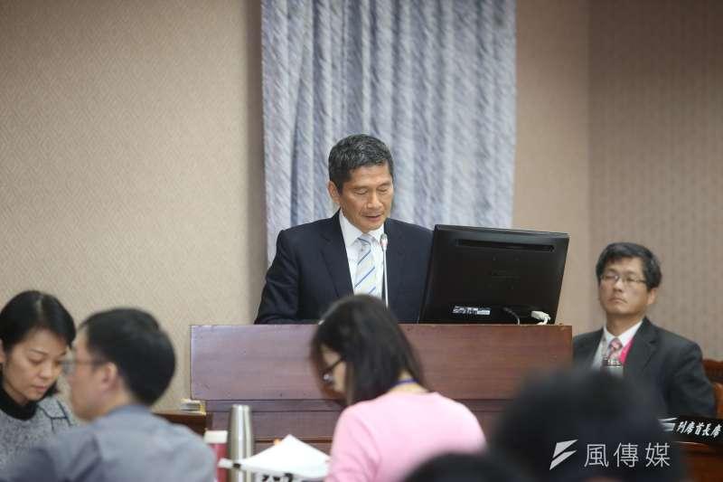 客委會主委李永得13日於立法院準備以客語報告,竟遭藍委林德福阻止。圖為李永得。(陳明仁攝)