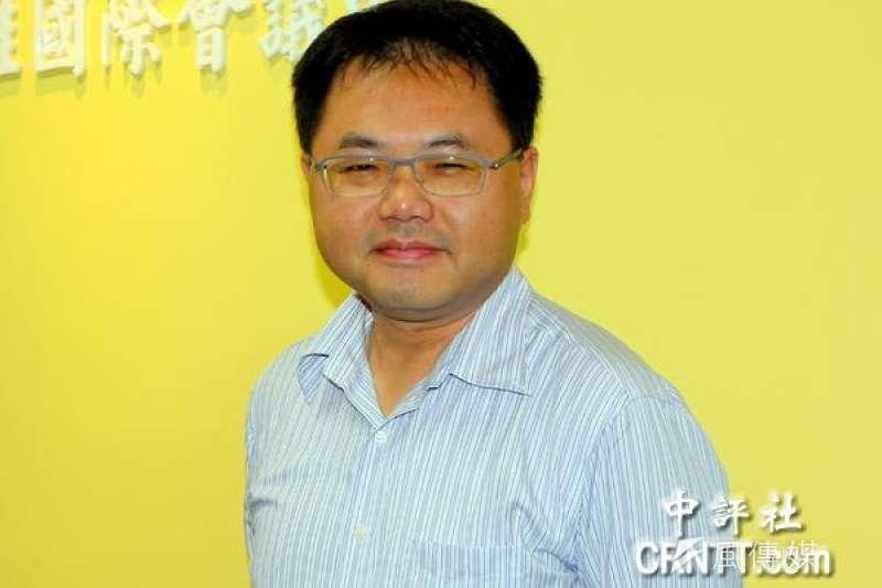 高雄市政府海洋局長王端仁被質疑幫助慶富取的興達港造船用地,今(23)日遭檢方約談。(資料照,取自中評社)