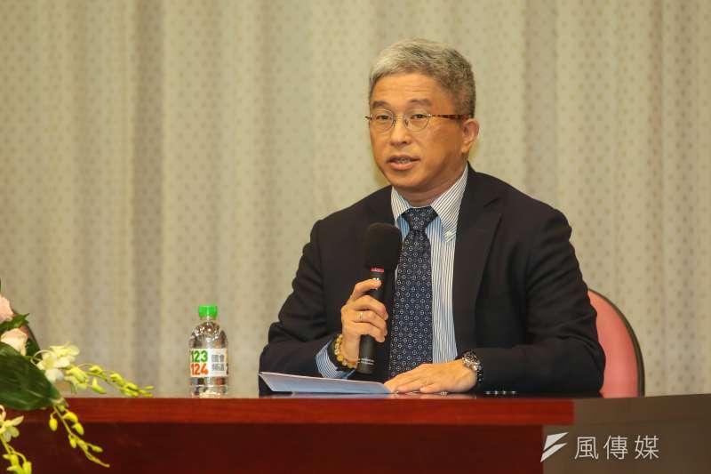 台灣民主基金會執行長徐斯儉公布「2018台灣民主價值與治理」民調,當中國為了統一對台使用武力,有近7成民眾願為保衛台灣而戰。(資料照,顏麟宇攝)