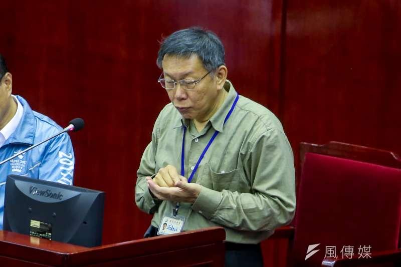 台北市議員陳政忠16日在總質詢時再為家長們請命,希望私幼3、4歲幼兒的每學期補助提高到1萬3500元,柯文哲允諾可從明年9月起實施。(陳明仁攝)