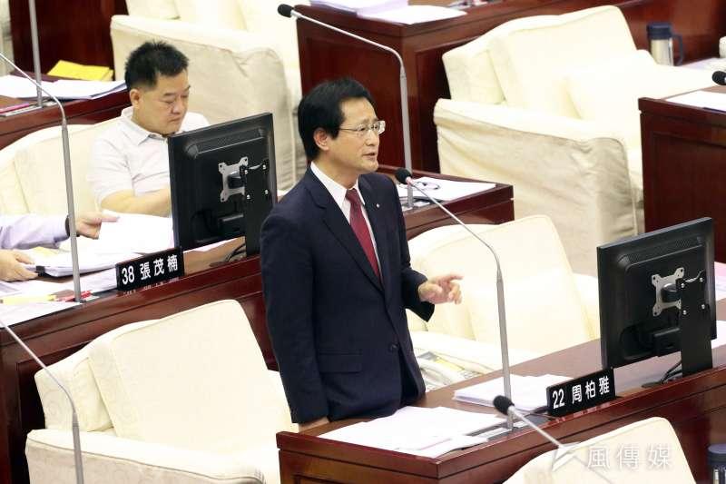 20171117-台北市議會下午進行市政總質詢,圖為民進黨議員周柏雅。(蘇仲泓攝)
