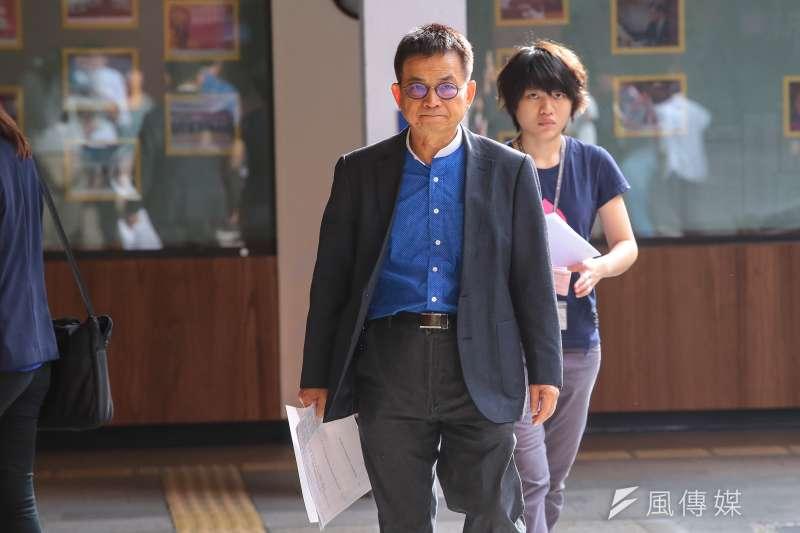 20171117-國民黨立委賴士葆17日出席國民黨團大會。(顏麟宇攝)